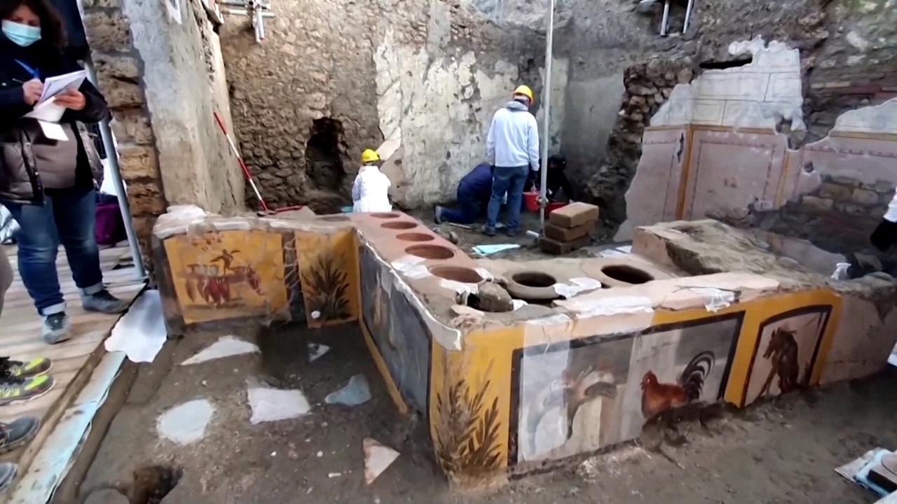 Termopolium në Pompei, arkeologët zbulojnë dyqanin e lashtë të ushqimit në rrugë