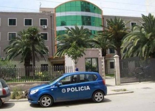 Sherr me thika në një lokal në Ishëm të Durrësit, plagosen 3 persona
