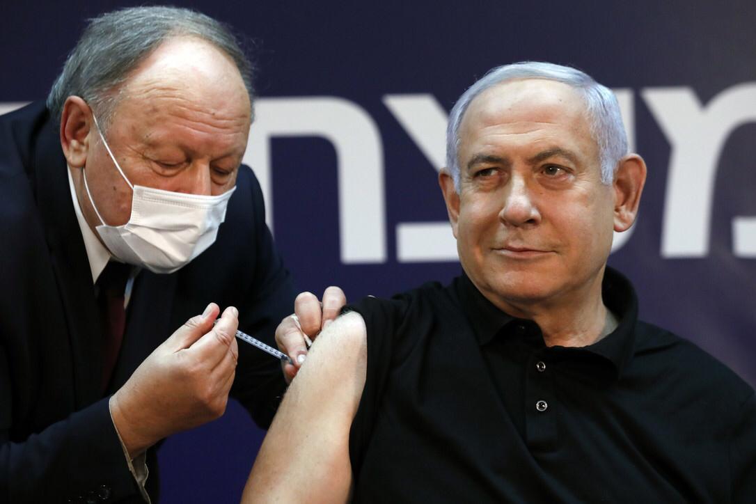 Izrael, vaksinohen 100 000 njerëz, vdes një 75-vjeçar pas vaksinimit