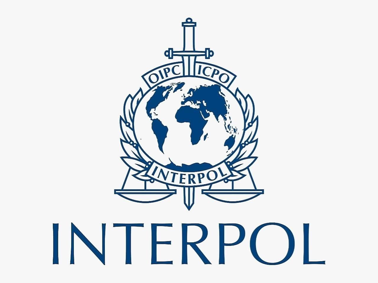 Mashtron dhe i perveteson automietin Fierakut. Vihet ne pranga nga Interpol Tirana në Romë 28 vjeçari nga Durresi.