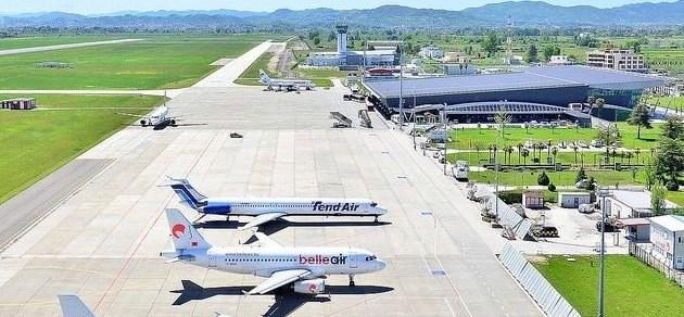 """Zyrtarizohet kalimi i Aeroportit të Rinasit te """"Kastrati group"""", për 71 milionë euro"""