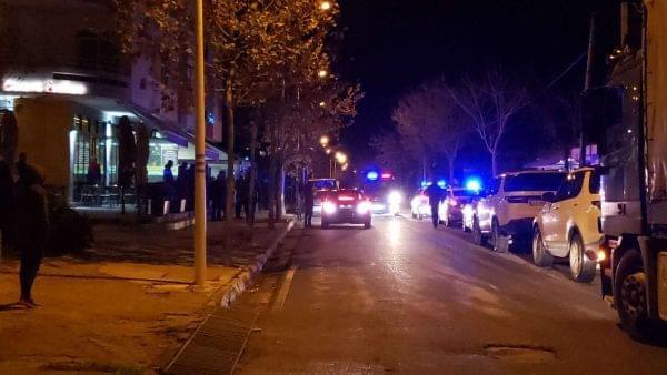 (VIDEO) Të shtëna me armë zjarri ne qytetin e Vlorës.