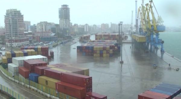 Det deri në 9 ballë, anulohen të gjitha lundrimet nga Porti i Durrësit drejt Italisë