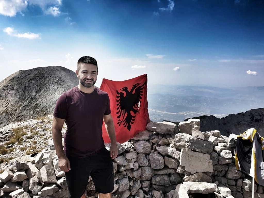 Ndahet parakohe nga jeta zv.kryetari i Bashkisë së Elbasanit Ervin Saraçi, 37-vjeçari pësoi goditje cerebrale