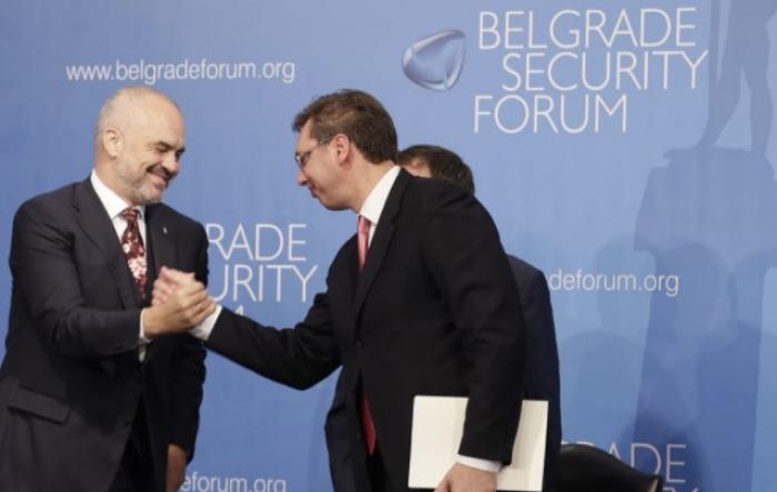 Këshilli i Ministrave miraton marrëveshjen: Lëvizje e lirë Shqipëri-Serbi vetëm me karta identiteti