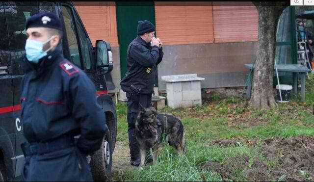 Mediat Italiane: Gjendet djali i çiftit Shqiptar, prindërit e të cilit ishin masakruar dhe futur ne valixhe.