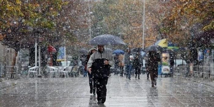 Reshje shiu dhe dëborë me intensitet të lartë në të gjithë vendin, mësoni parashikimin e motit për sot (TEMPERATURAT)