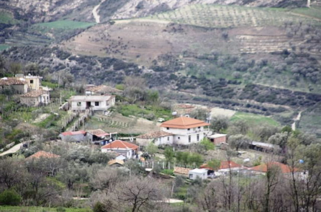 Nje fshat plot mbrekulli nga Zoti por I lene ne harrese nga investimet e institucioneve perkatese