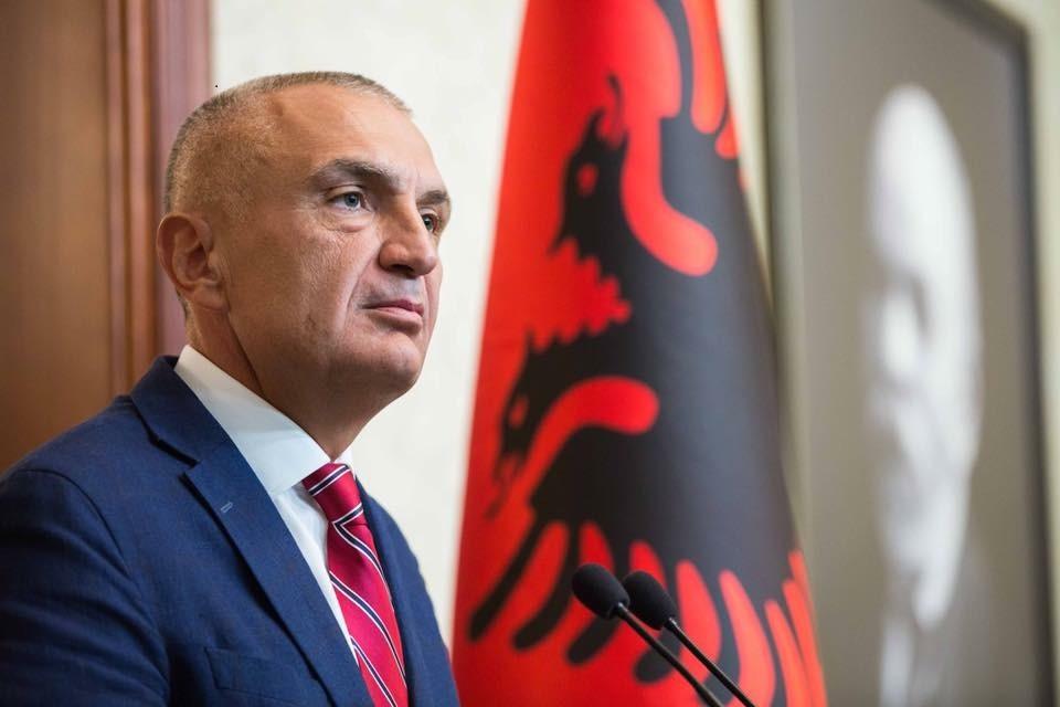 Presidenti Meta kthen në Kuvend ligjin për taksat