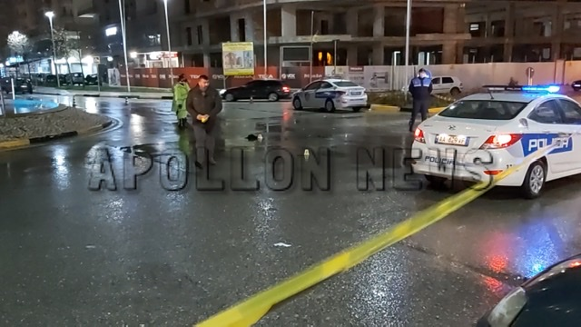 Përgjaken rrugët e vendit/ Makina përplas gruan në Vlorë, dërgohet në spital me fraktura në trup
