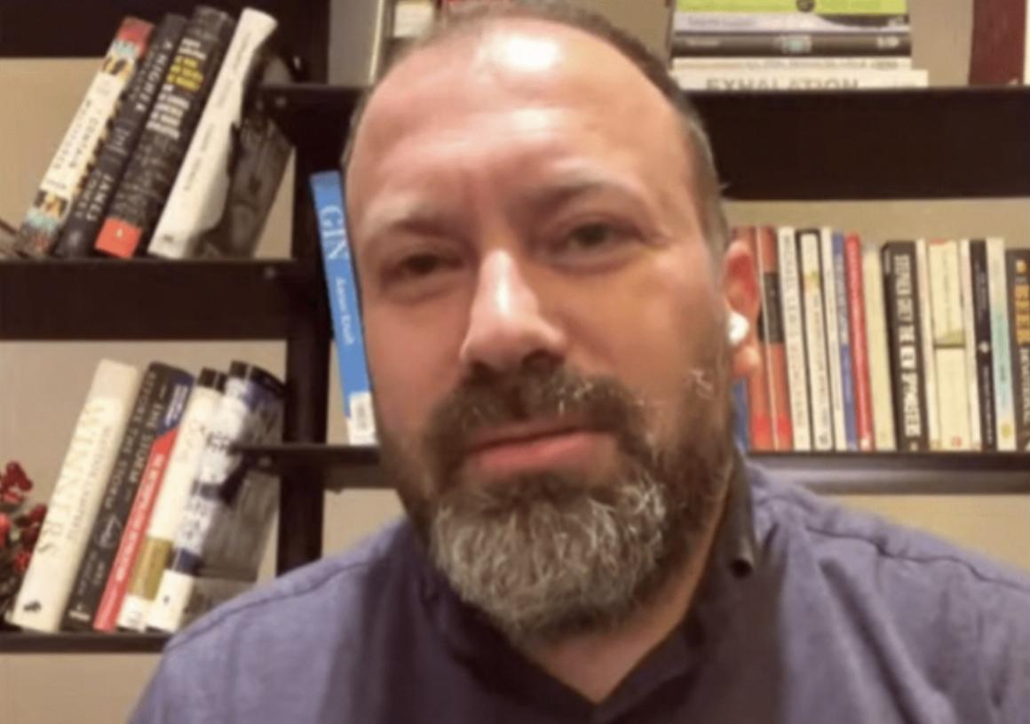 Arbjan Mazniku sqaron darkën në Dubai: U ftuam nga kompania private, ata i paguan të gjitha, as menunë nuk e pamë