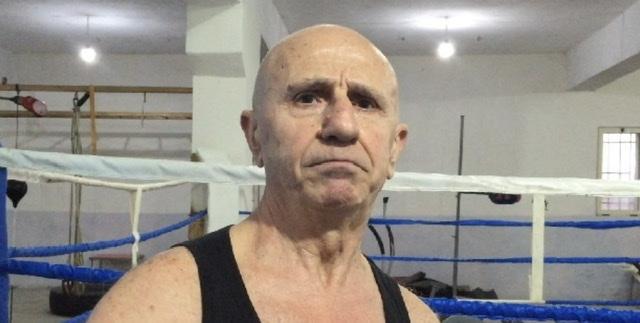 Ish-boksieri 66-vjeçar nga Fieri kërkon t'i rikthehet ringut: Më gjeni kundërshtar, vë bast që e mund
