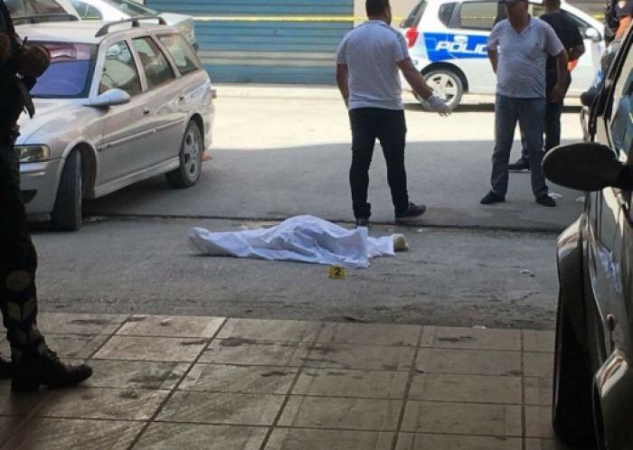 E RËNDË në Vorë, 60-vjeçari bie nga kati i dytë i banesës dhe vdes në vend