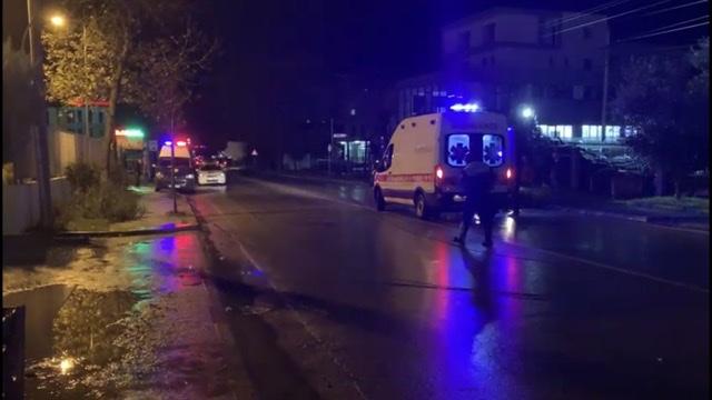 (VIDEO) Aksident në unazën lindore të qytetit të Fierit, drejtuesi i mjetit dërgohet me urgjencë drejt spitalit.