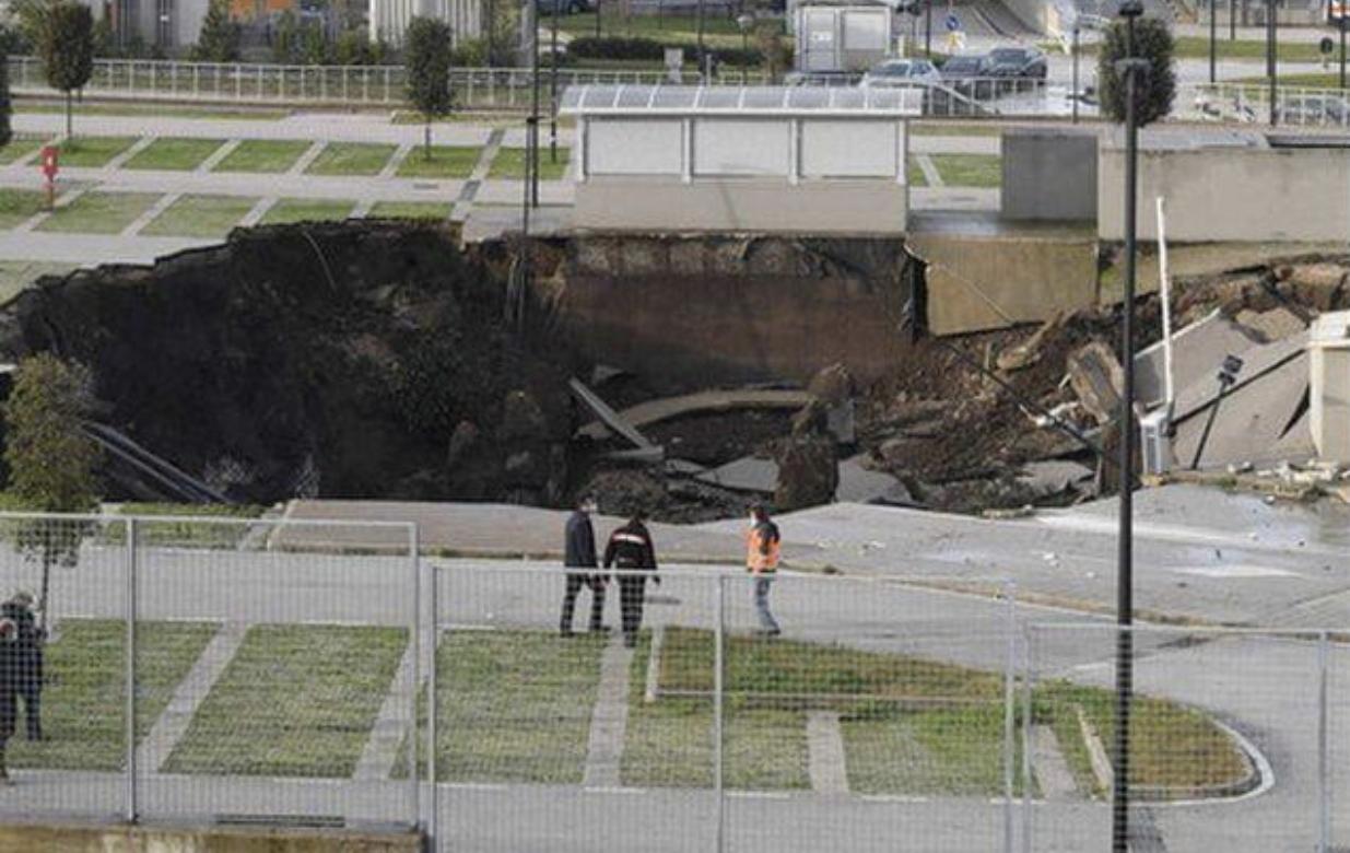 Shpërthim i madh pranë spitalit Covid në Itali, tmerrohen pacientët. Krijohet një gropë gjigande