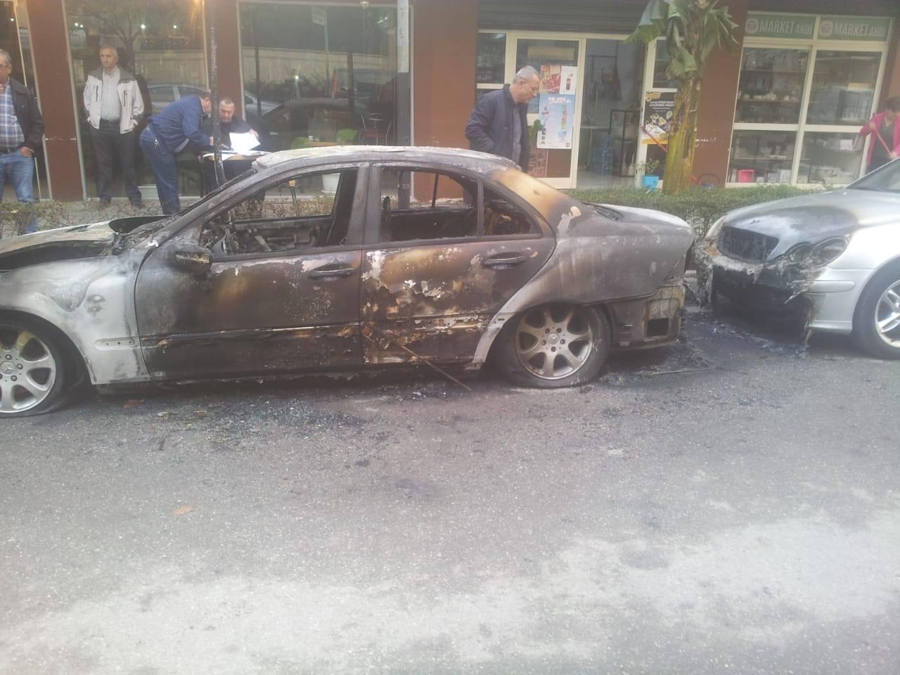 Shkrumohen gjatë natës dy mjete në Vlorë, nisin hetimet nga Policia