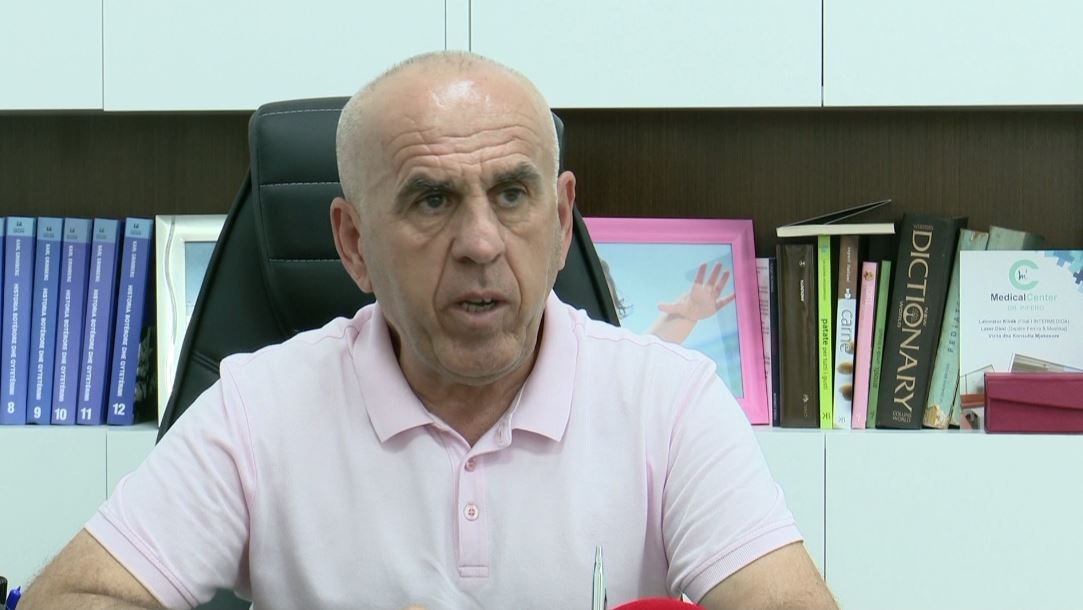 Propozimi i Pëllumb Piperos: Shkollat të mbyllen deri në fund të marsit, lokalet të punojnë me orar më të reduktuar
