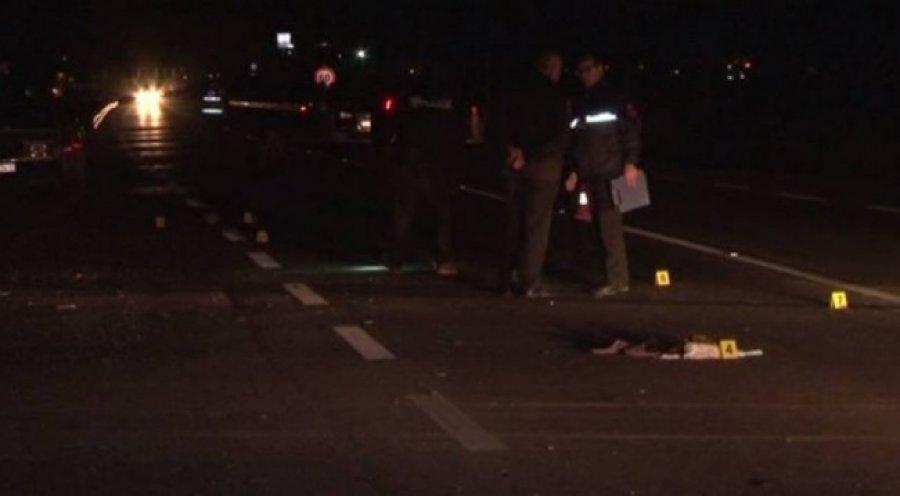 Aksident ne aksin rrugor Fier – Patos, makina përplas këmbësorin, dërgohet me urgjencë drejt spitalit