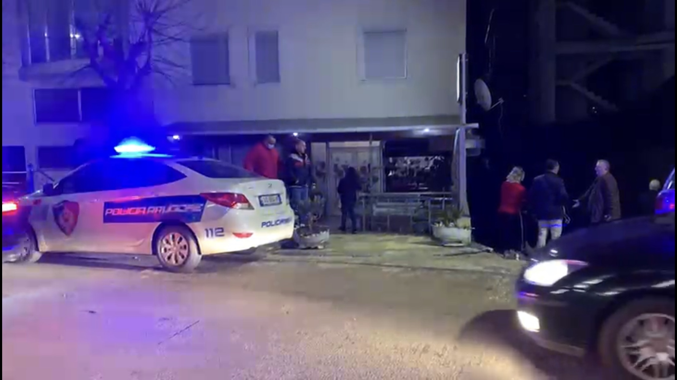 Sherr në Vlorë, ndërtuesi goditet me sende të forta në kokë (EMRI)