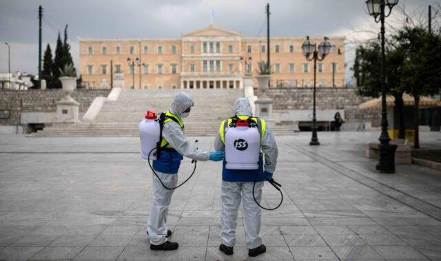 Rritja e shifrave të COVID-19, mbyllet Athina, hapur vetëm farmacitë dhe ushqimoret.