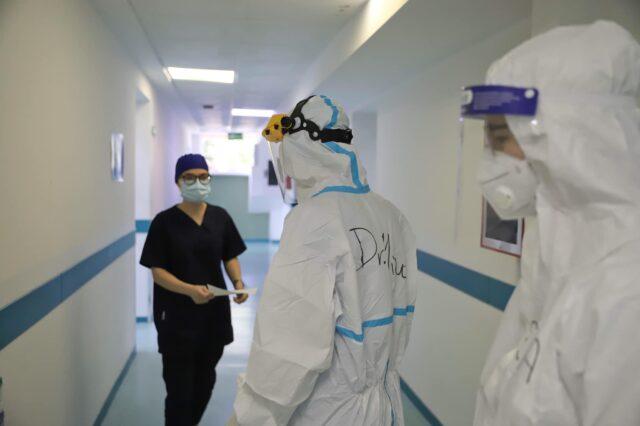 """Mbi 500 të shtruar"""", Manastirliu merr vendimin: Sot hapim spitalet COVID në dy qytete te tjera"""