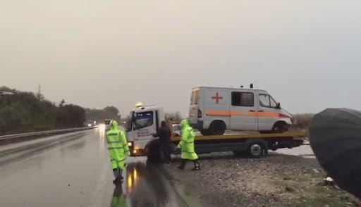 Aksidentohet autoambulanca , vdes pacienti qe po transportohej drejt Tiranes