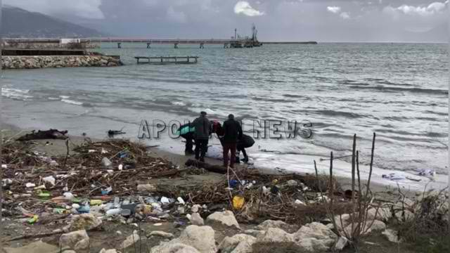 Vlorë/ Personi që është gjetur pa jetë buzë detit në afërsi të Petroliferës, dyshohet se eshte vrarë (VIDEO)