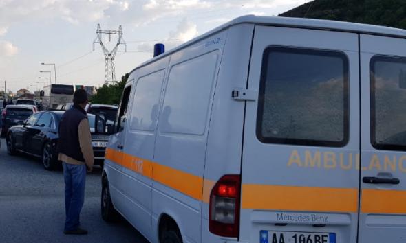 E rëndë/ Hynë në kabinë elektrike, dy të rinj sirianë i zë korrenti në ish-Bllok