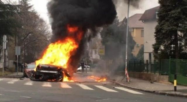 Atentat në Kamëz/ Shtypi pultin për të hapur makinën, shpërthen automjeti (EMRI)