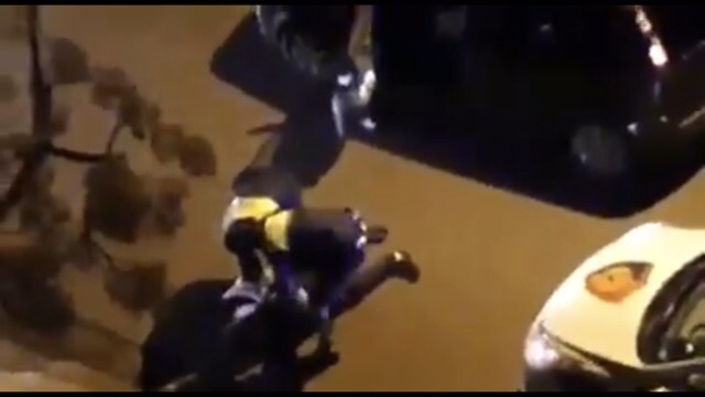 """VIDEO/ """"S'ke b*thë ti, të na ikësh ne"""", shkeli me 10 minuta orën policore, efektivët dhunojnë qytetarin në mes të Tiranës: Jam punëtor krahu…"""