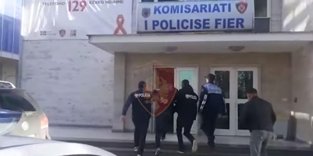 Policia Fier arreston 28 vjecarin qe qelloi me arme mbremjen e djeshme ne Divjake