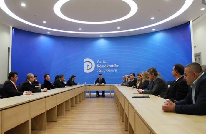 Moderatorja e Top Channel në listën e PD, Strazimiri në kufijtë e listës, Çlirim Gjata në pjesën jo fituese, kandidon edhe ish-futbollisti i Tiranës