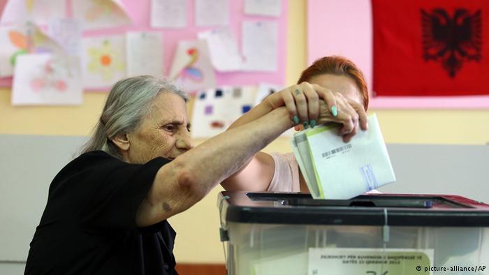 Publikohet lista përfundimtare e zgjedhësve për 25 Prillin, ja sa qytetarë kanë të drejtë vote dhe sa janë përjashtuar (E PLOTË)