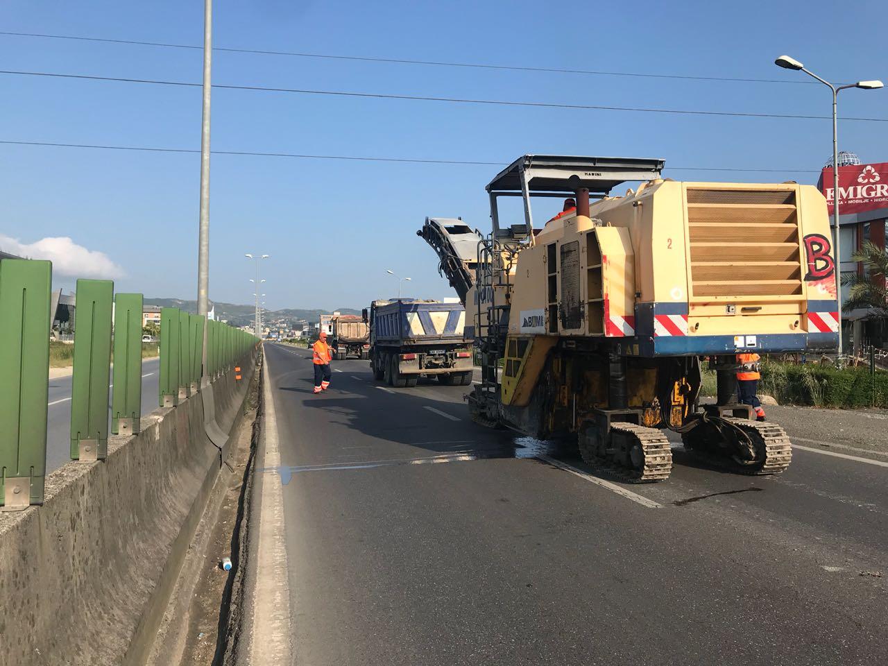 ARRSH njoftim të rëndësishëm për shoferët: Nga 1 prilli nis asfaltimi i rrugës Kavajë-Rrogozhinë, çfarë duhet të dini për devijimin e trafikut