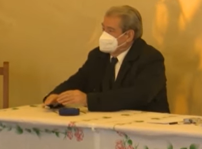 Sali Berisha shkon në shtëpinë e Arjan Salës: Akti i Arjanit është epik! Shërbimi i emergjencës pothuajse inekzistent