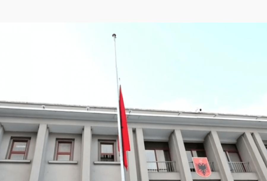 Sot ditë zie Kombëtare në nderim të Bashkim Finos Kryeministër i Qeverisë së Pajtimit Kombëtar
