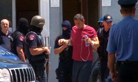 LAJM I FUNDIT/ Ardjan Çapja pëson arrest kardiak në qeli, dërgohet me urgjencë në spital