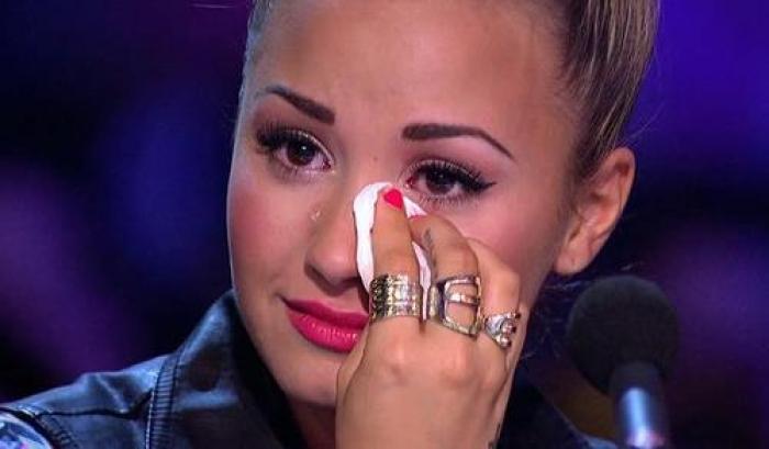 Demi Lovato bën rrëfimin tronditës: Isha 15-vjeçe, jam përdhunuar dy herë dhe e shihja autorin çdo ditë