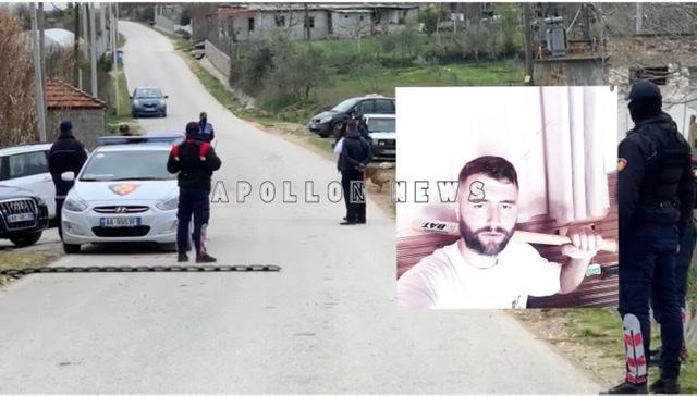 Ngjarja ne Gradisht, 34-vjecari qellon ne armën qe e mbante ne banese, dëmton 3 automjete te policise se shtetit, policia me qen ne kerkim te armes
