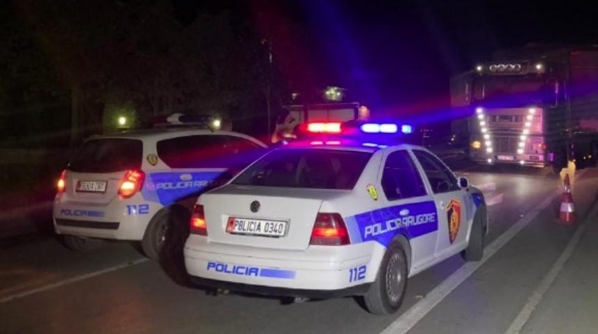 Një person mbeti i plagosur në një aksident rrugor të regjistruar mbrëmjen e sotme në Devoll.