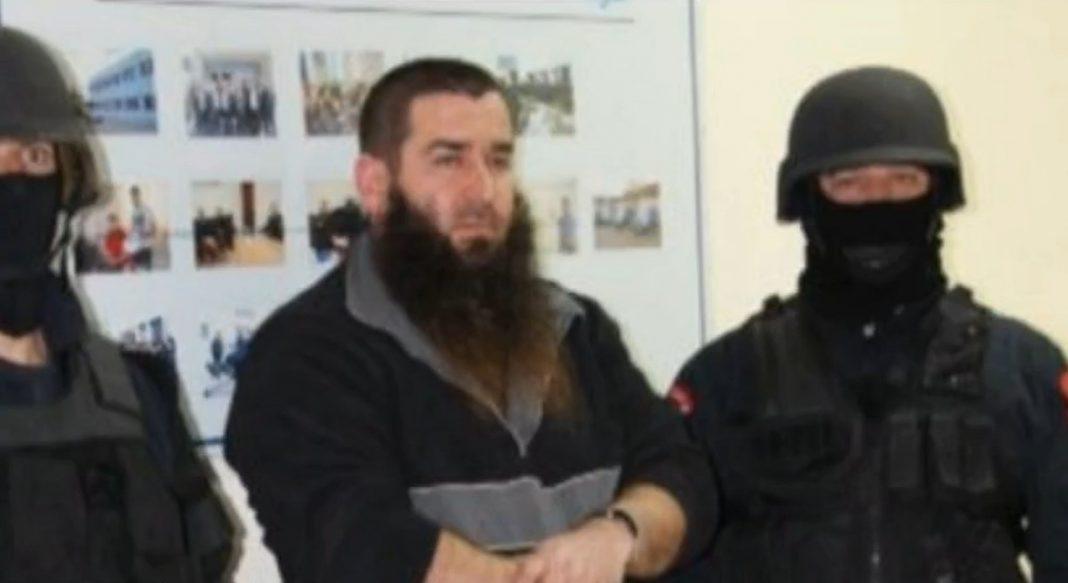 Ky është autori i plagosjes sot në Kavajë: Me dy mbiemra, i kërkuar nga Interpol Roma për vrasje (DETAJE)