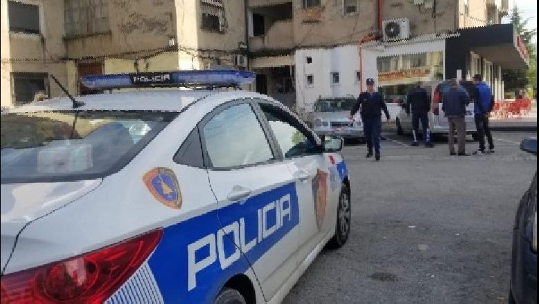 Godet me thikë 30-vjeçarin në Fier, policia shpall në kërkim autorin