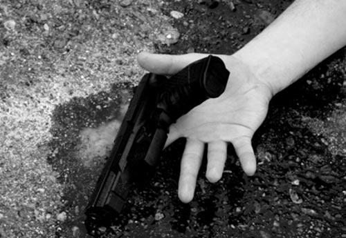 """E RËNDË/ 60 vjeçari vetëvritet me armë zjarri në zonën e """"Astirit"""" në Tiranë"""