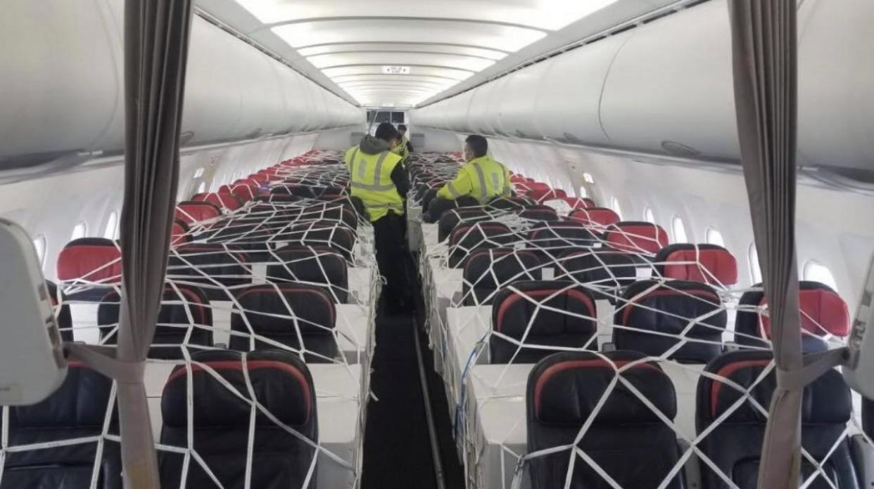Avioni 'full', Edi Rama publikon FOTOT: Vijnë në Rinas 208 MIJË VAKSINA