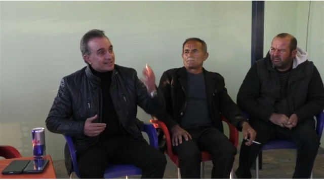 Kandidati Demokrat Luan Baçi takim me banorët e Vreshtasit