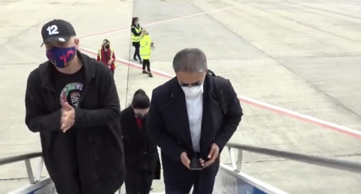"""Rama i bashkohet """"çunave çamarrokë"""" në avion, nisen drejt Kukësit me """"Air Albania"""" (Video)"""