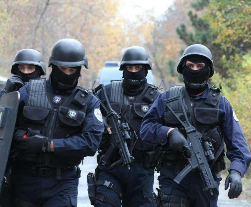 """Forcat Speciale të Kosovës """"në këmbë"""", Policia merr informacione për sulme në QKUK"""