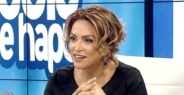 Moderatorja Eni Vasili në pritje të ëmbël të dy vajzave binjake