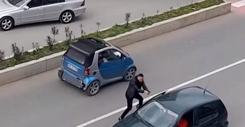 Ndodh në Tiranë/ I sapodalë nga burgu, i riu tenton të vrasë çiftin dhe i përplas me makinë, i shpëton polici civil
