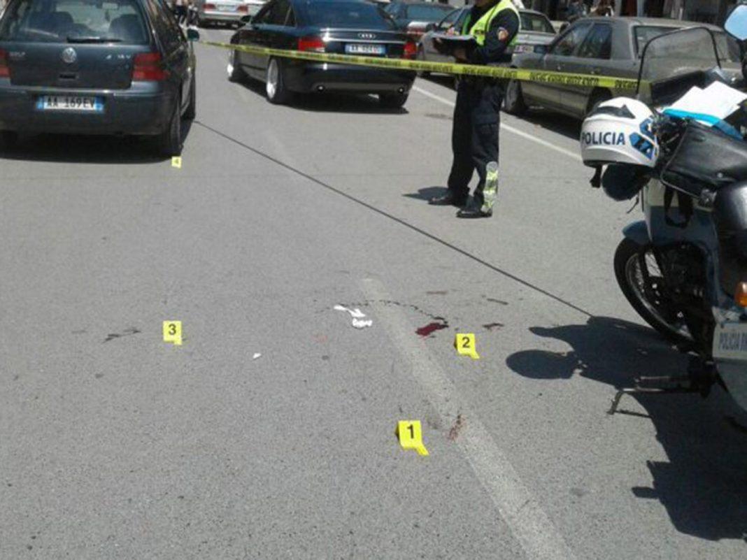Aksident i RËNDË në aksin Lezhë-Shkodër, një makinë del nga rruga, plagosen 2 fëmijë